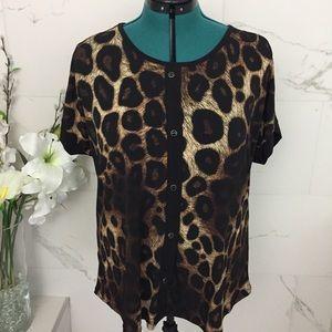 Tops - NWT Leopard print top 1X